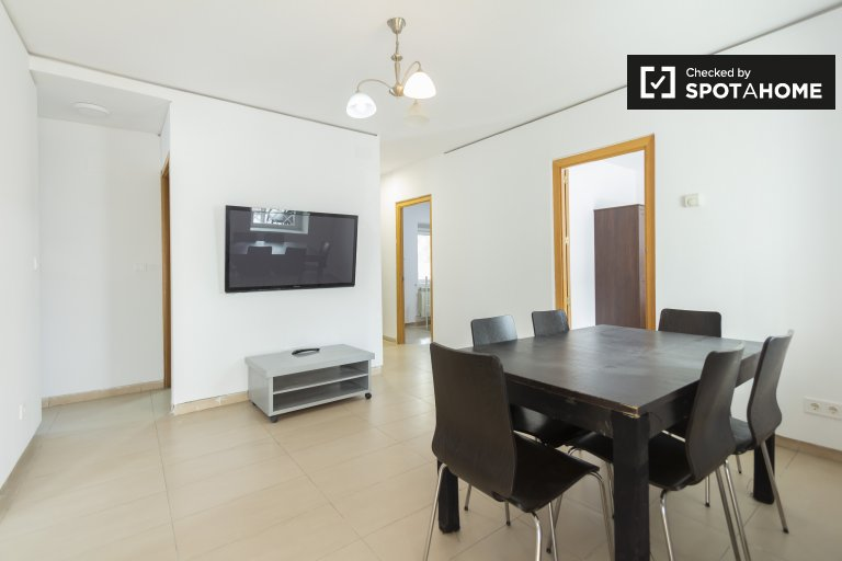 Calm 3-bedroom apartment for rent in Aluche, Madrid