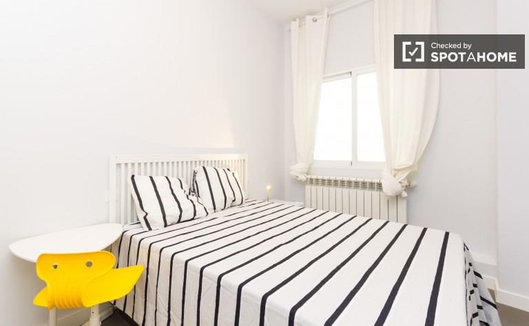 Bedroom 4 with double bed, interior
