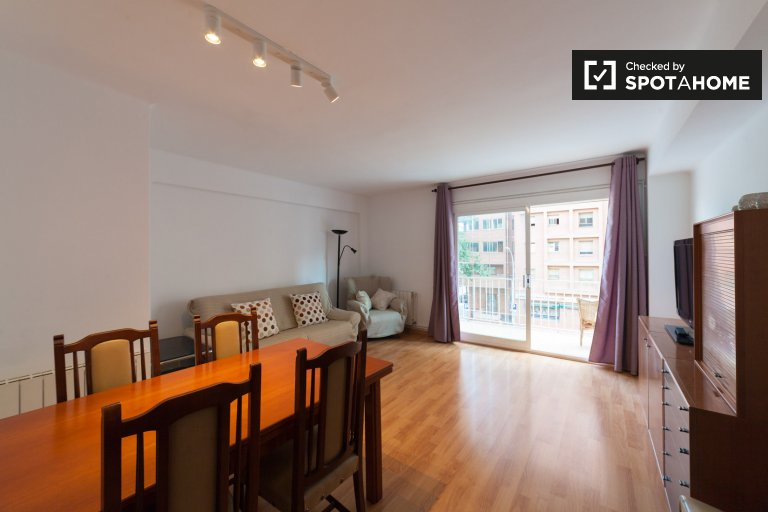 4-bedroom apartment for rent in Sant Martí, Barcelona