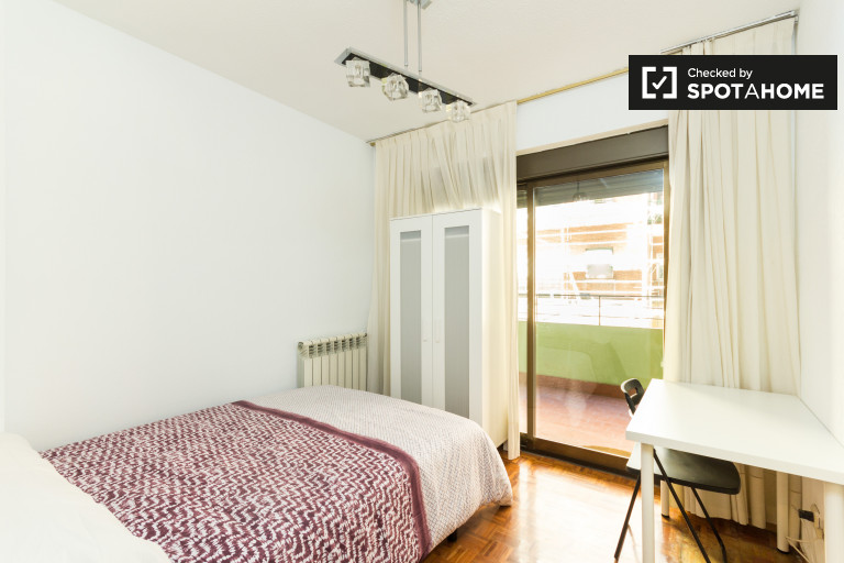 Bedroom 1 - double bed and terrace