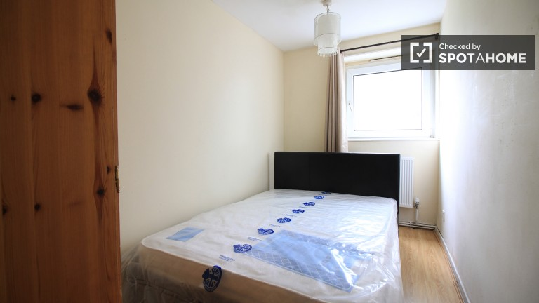 Bedroom 2 with double bed, couples allowed