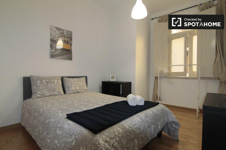 Quarto para alugar em casa com 5 quartos em Santo António