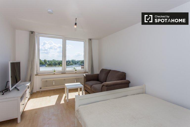 Cichy apartament typu studio do wynajęcia w Schönefeld, Berlin