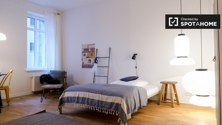 Chic studio apartment for rent in Friedrichshain, Berlin