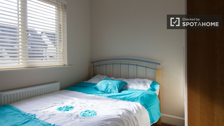 1 pokój w eleganckim domu z parkingiem w Lucan, Dublin
