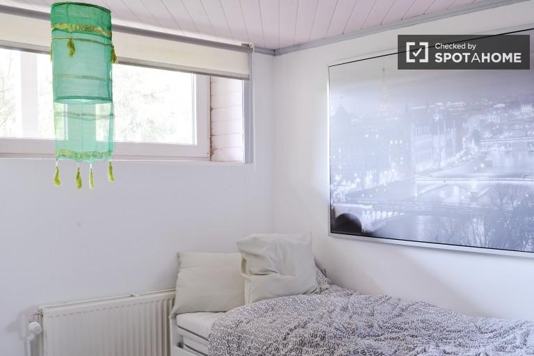 Chambre confortable à louer dans une maison proche Laeken - Bruxelles