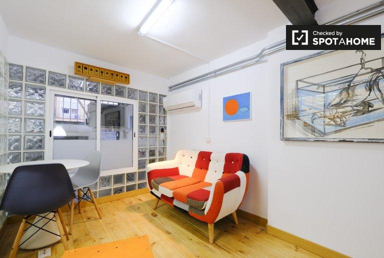 Studio coloré à louer à Usera, Madrid