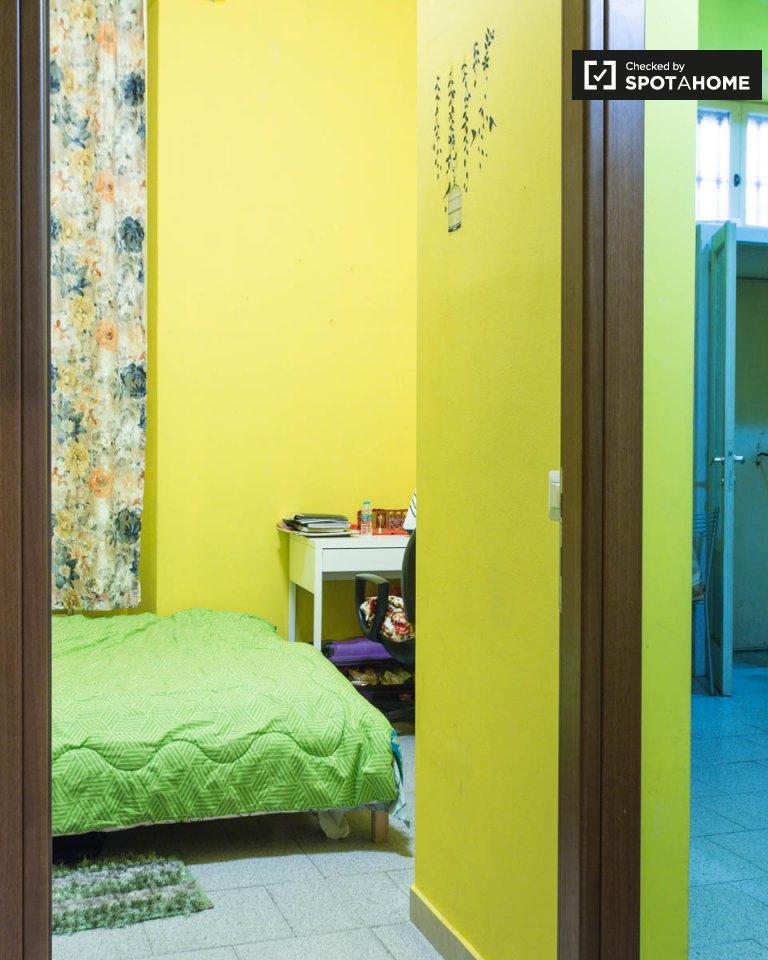 Chambre meublée dans un appartement de 2 chambres à Navigli, Milan