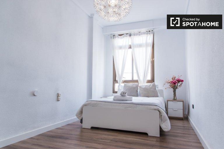 Chambre à louer dans un appartement de 4 chambres à L'Eixample