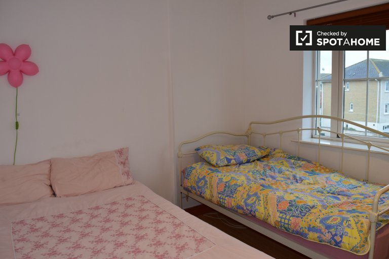 Intimate room in shared apartment in Blanchardstown, Dublin