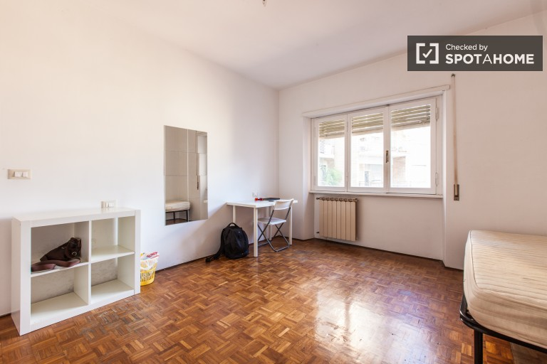 Furnished room in apartment in Ostiense, Rome