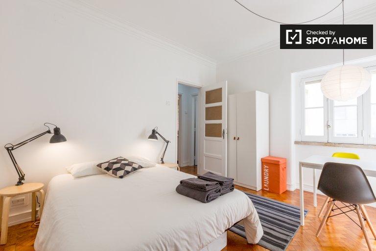 Sunny room kiralık Arroios, Lizbon