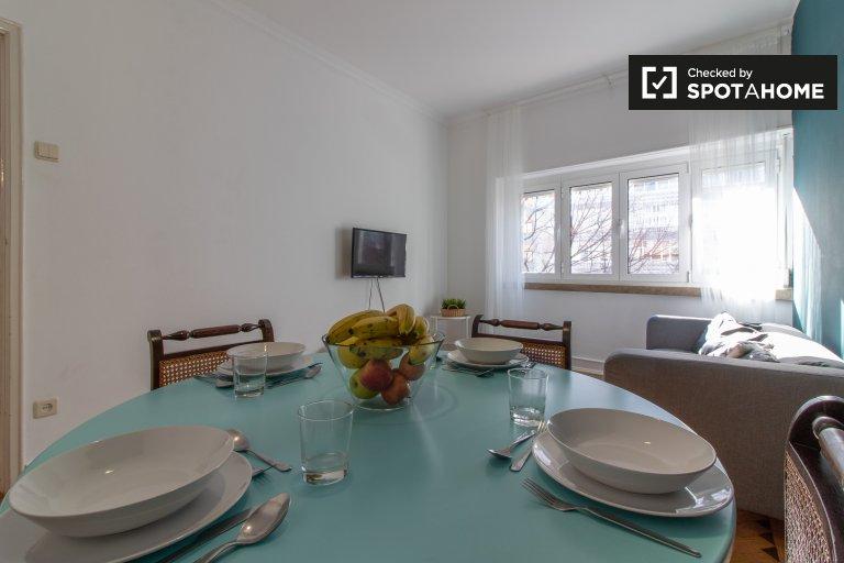 Spacieux appartement de 4 chambres à louer à Campolide, Lisbonne