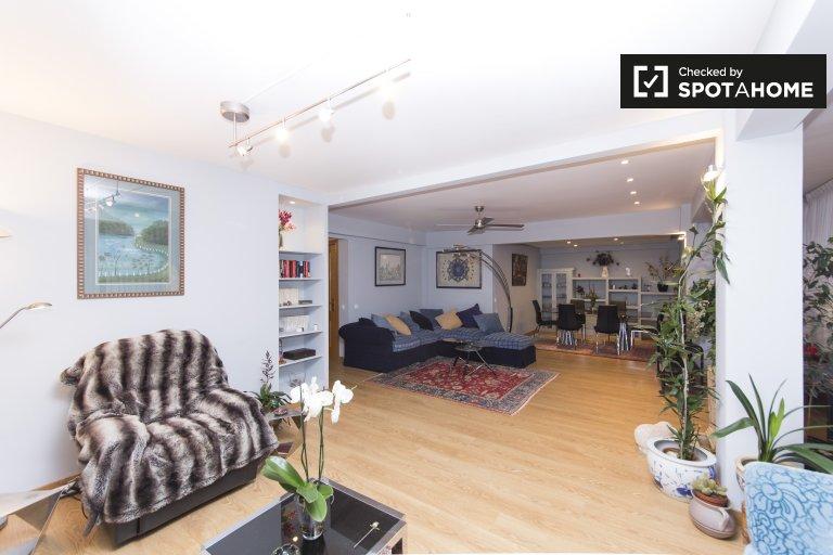 Geräumige 3-Zimmer-Wohnung zur Miete in Nueva España
