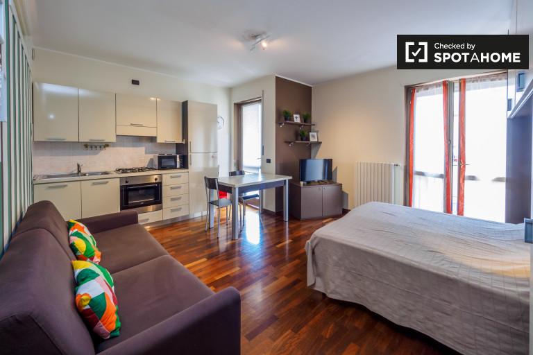 Studio apartment with balcony to rent - Pta. Vittoria, Milan