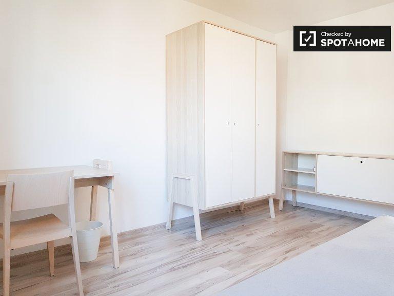 Elegancki pokój w apartamencie z 3 sypialniami w Charlottenburg