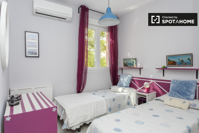 Camera ideale in appartamento con 2 camere da letto a Usera, Madrid