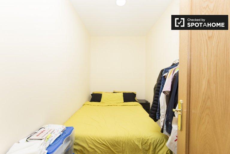 Möbliertes Zimmer in 2-Zimmer-Wohnung in Atocha, Madrid