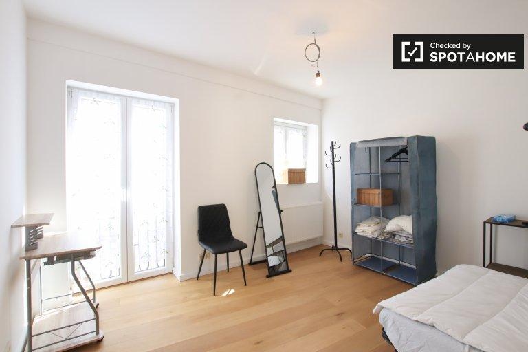 Chambre spacieuse dans un appartement partagé à Ixelles, Bruxelles