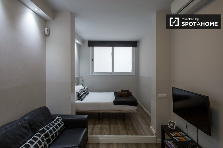 Studio apartment for rent in Poble-sec, Barcelona