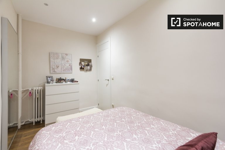 Gemütliches Zimmer in einem Apartment mit 2 Schlafzimmern in Salamanca, Madrid
