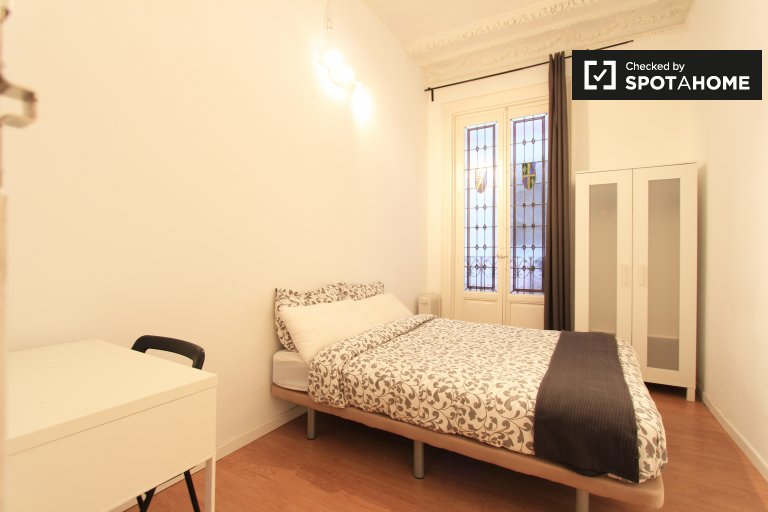 Bedroom 10 - Double bed, interior