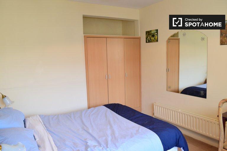 Pokój do wynajęcia w domu z 4 sypialniami w Blanchardstown, Dublin