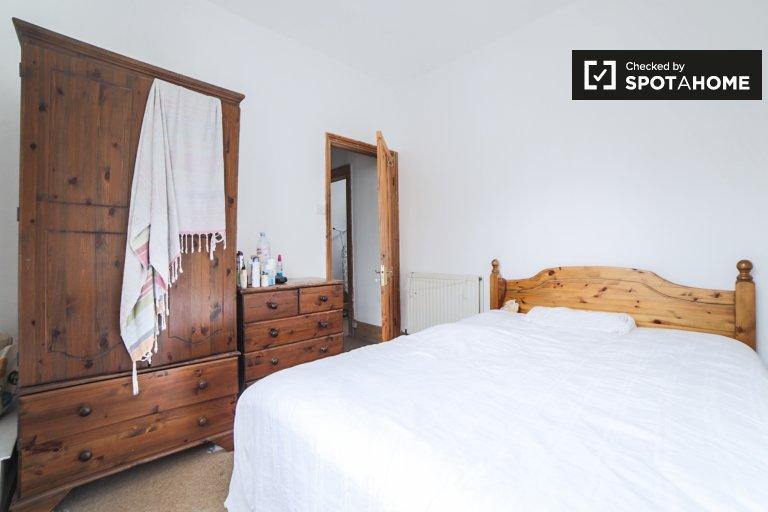 Geräumiges Zimmer in 4-Zimmer-Wohnung in Canonbury, London