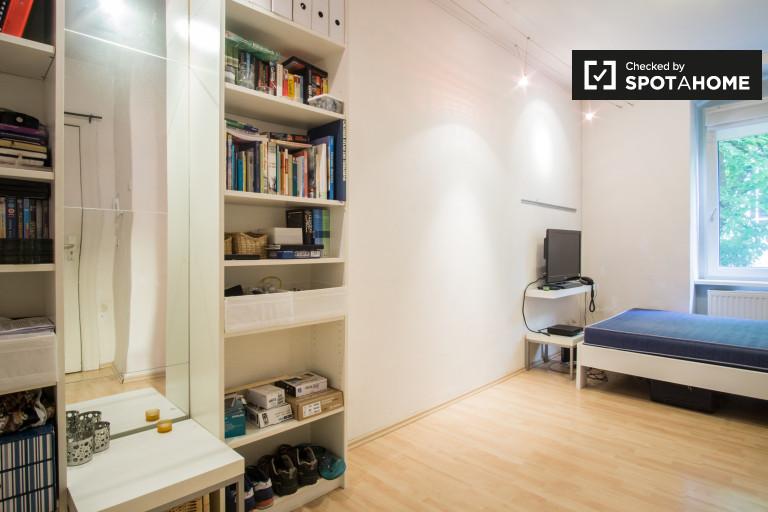 Modern 1-bedroom apartment for rent in Schoneberg, Berlin