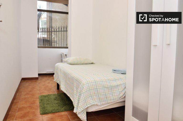 Amplo quarto em apartamento compartilhado em Eixample, Barcelona