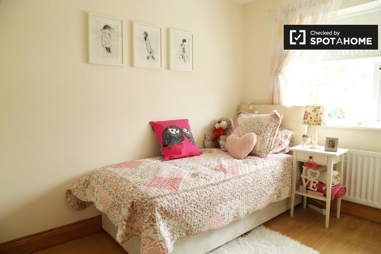 Komfortowy pokój w apartamencie z 2 sypialniami w Finglas w Dublinie