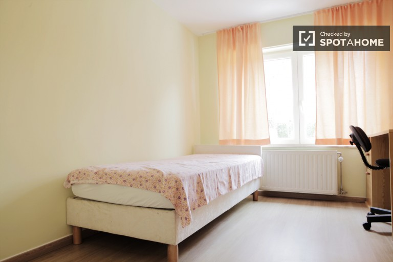 Spacious 1-bedroom apartment for rent in Evere, Brussels