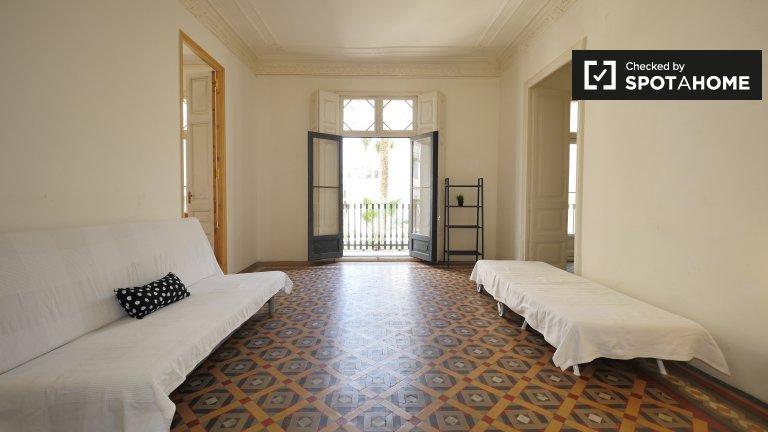 Room in 7-bedroom apartment in Barri Gòtic, Barcelona