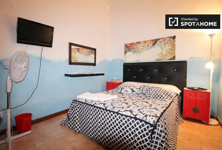 Großes Zimmer in einer 4-Zimmer-Wohnung in Barri Gòtic, Barcelona