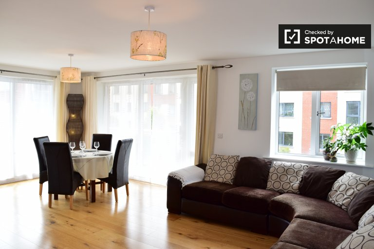 Spacious 2-bedroom apartment to rent in Lucan