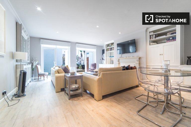 3-bedroom apartment to rent in Kensington & Chelsea, London