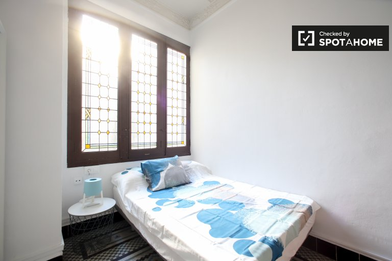Room in 10-bedroom apartment in Ciutat Vella, Valencia