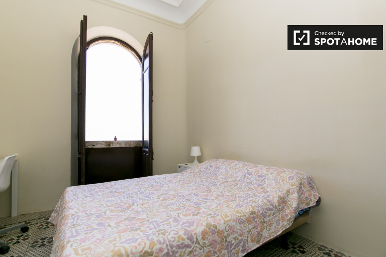 Double Bed in Double bed rooms for rent to women only in San Francisco Javier