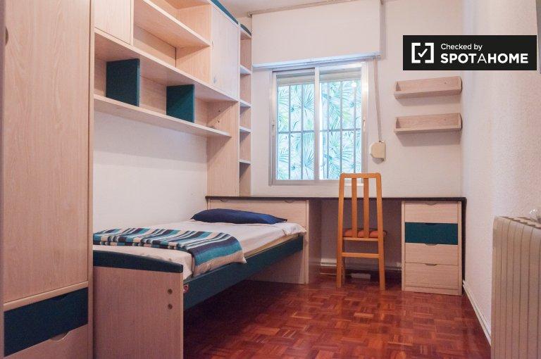 Zimmer zur Miete in 4-Zimmer-Wohnung in Alcobendas, Madrid