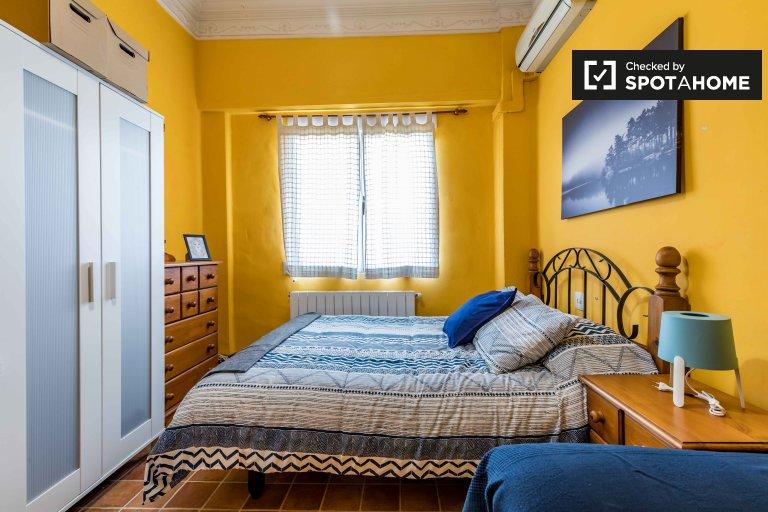 Pokój do wynajęcia w apartamencie z 5 sypialniami w Extramurs, Valencia