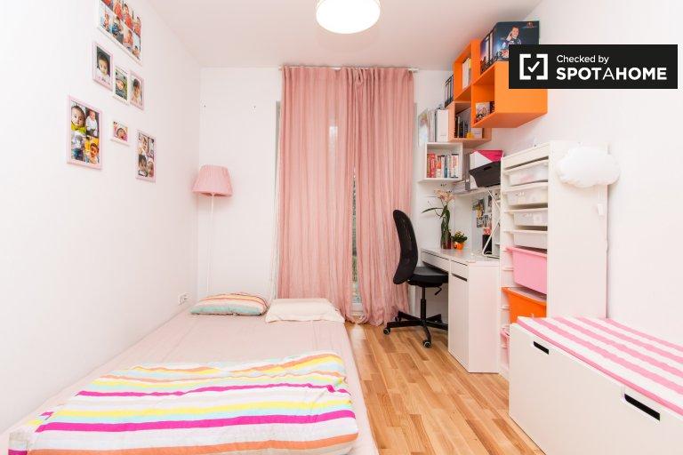 Lovely room for rent in 2-bedroom apartment,Treptow-Köpenick