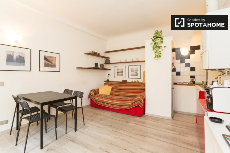 Cosy 1-bedroom apartment for rent in Moscova, Milan