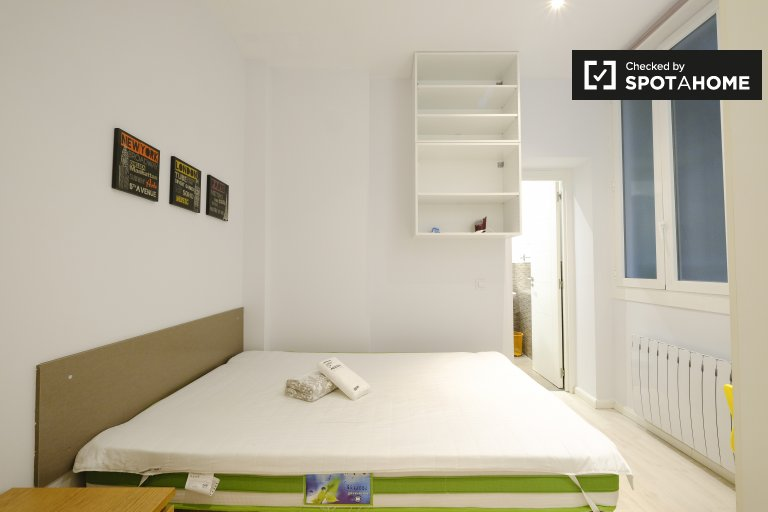 Charming room for rent in Malasaña, Madrid