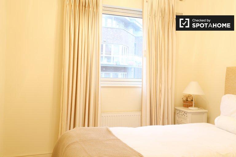 Compact room in 4-bedroom house in Terenure, Dublin