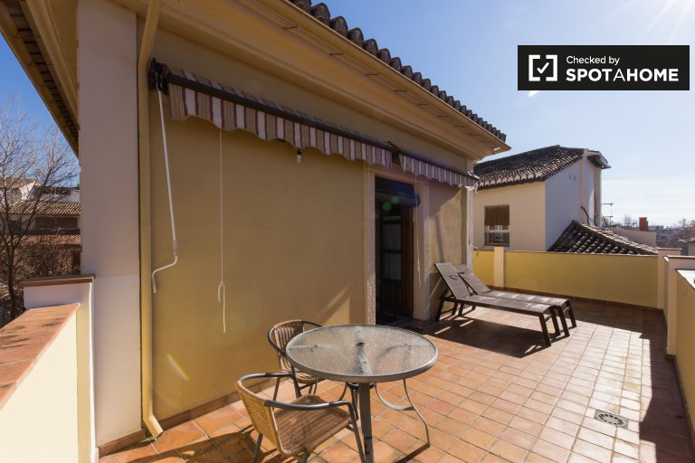 Bright 1-bedroom apartment for rent in Realejo, Granada