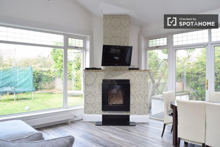 Stilvolles Zimmer in einer Wohngemeinschaft in Terenure, Dublin