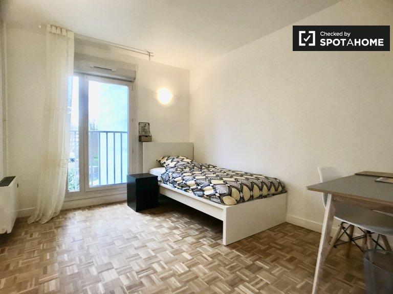 Luftiges Zimmer zur Miete in einer 3-Zimmer-Wohnung in Villejuif