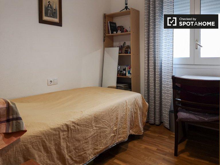 Przytulny pokój do wynajęcia w Eixample, Barcelona