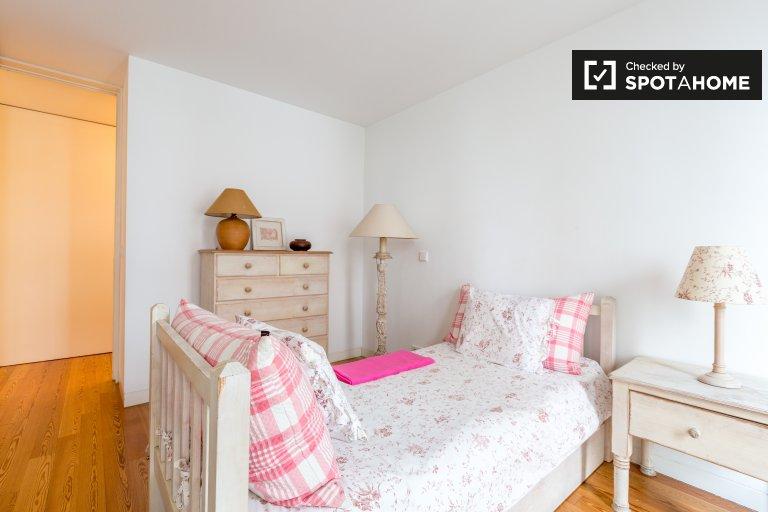 Wesoły pokój w apartamencie z 4 sypialniami w Parque das Nações