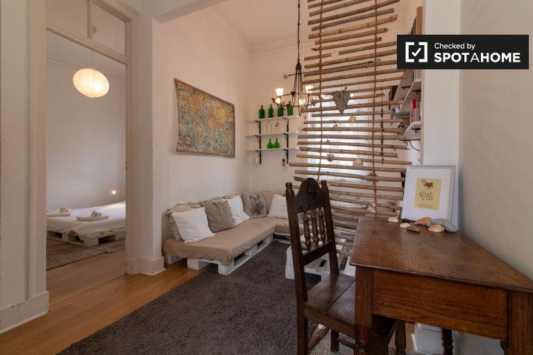 Chic 1-bedroom apartment for rent in Graça, Lisbon